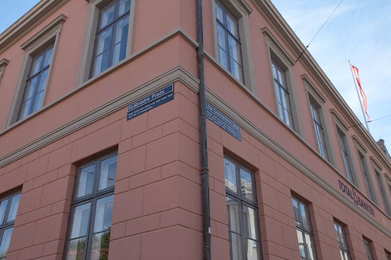 Facaden på hjørnet af Gråbrødre Plads og Lille Gråbrødrestræde