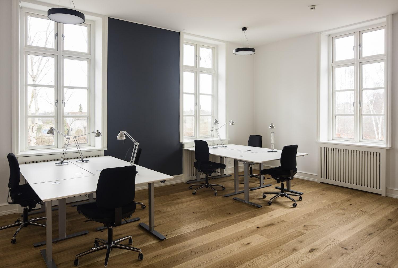 6 personers rummeligt kontor i nordisk design